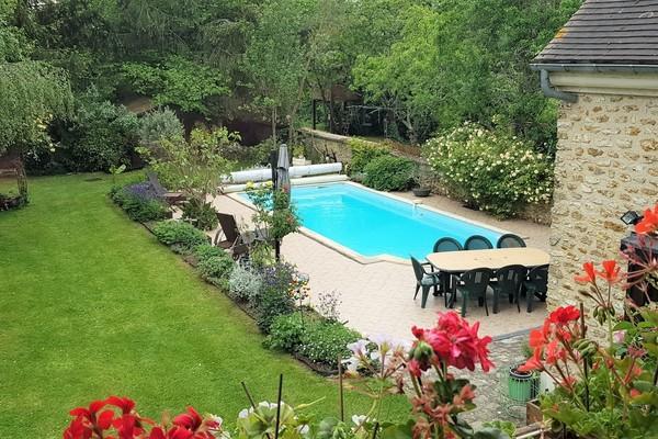 VENDU Maison pierre avec piscine La Celle les Bordes